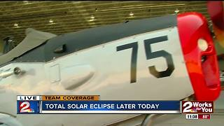 Highest bidder sees eclipse from WWII plane in Tulsa - Video