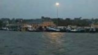Fishing Boats Fill Castletownbere Harbour as Ophelia Approaches - Video