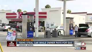 Teens steal car while owner pays for gas - Video