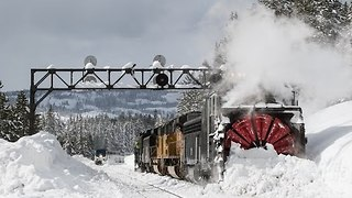 Rotary Snow Plows Clear California's Donner Pass - Video