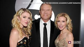 Glen Campbell's family at the CMAs | Rare Country - Video