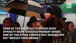 Duck Dynasty Star Shaves Off Beard For Charity - Video