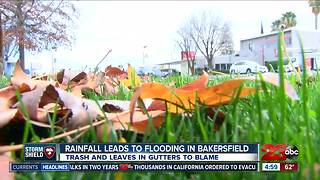 Rainfall leads to street flooding in Bakersfield - Video