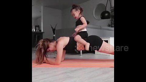 US woman uses her daughter as adorable workout weight