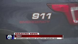 Barricaded gunman situation coming to an end - Video