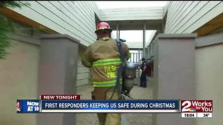 First responders working on Christmas - Video
