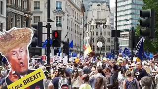 Thousands join anti-Brexit march in London - Video