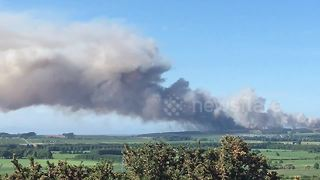 Huge brush fire breaks out in the northeast of Scotland - Video