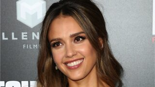 Jessica Alba Cut Her Daughters' Hair