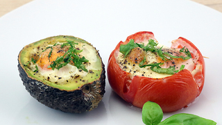 Egg in tomato & avocado recipe - Video