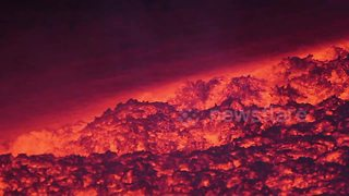 Stunning lava close-ups from Mount Etna's 2017 eruptions - Video