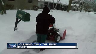 Racine clears out snow after heavy storm - Video