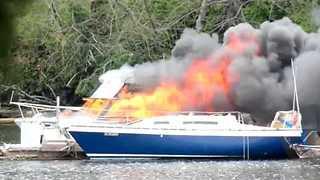 Firefighters Rescue People Trapped in Boat Fire in Victoria, BC - Video