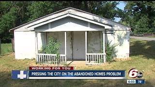 Abandoned homes breeding crime across Indianapolis - Video