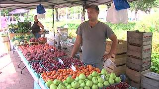 Some food stamp recipients may soon lose benefits at dozens of farmers markets - Video