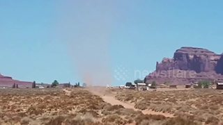 Huge dust devil captured on camera in Arizona - Video