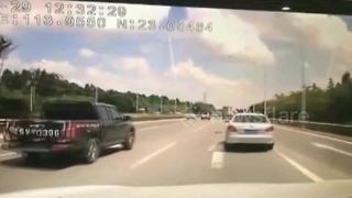 Spectacular dash cam video captures moment flying plank smashes windscreen - Video