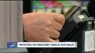 Protecting your credit cards from hackers while shopping - Video