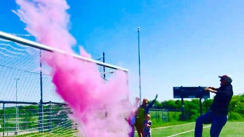 Family's amazing gender reveal on soccer pitch