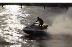 Police Pursuit of Jet Skis Captured From Thames Boat - Video