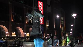 The first look at Peyton Manning's statue - Video