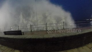 Strong winds and waves hit Cornish coast - Video
