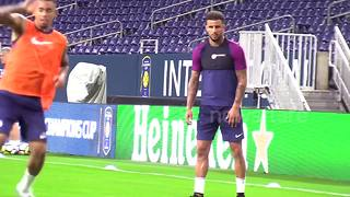 Kyle Walker trains with new Man City team-mates - Video