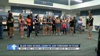 Tampa choir to join rock icons on stage - Video
