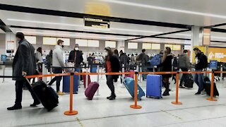 U.S. To Require Negative COVID-19 Test For Travelers Coming From U.K.