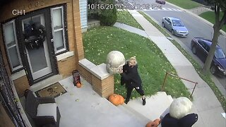 Thieves caught on camera stealing Halloween decorations