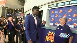 Suns introduce Ayton at Talking Stick Arena - Video
