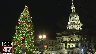 Lansing will light official state Christmas tree tonight - Video
