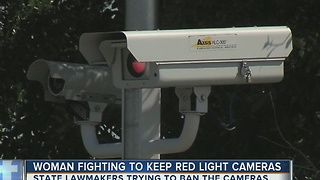 Bill aims to ban red light cameras in Florida - Video