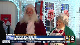 Holiday fun with Santa at Six Flags America - Video