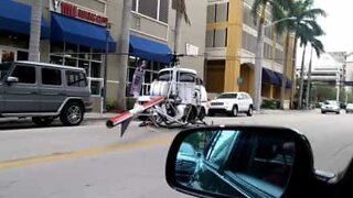 Helicopter makes emergency landing in the middle of Florida street