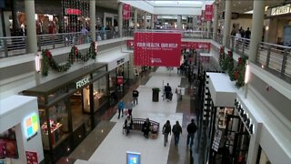 Store owners ask state to reopen malls