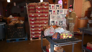 Arizona National Guard continues to support local food banks