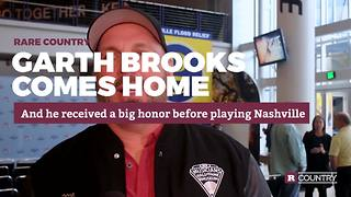 Garth Brooks comes home | Rare Country - Video