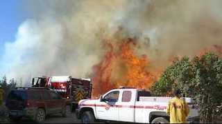Firefighters Battle Loma Fire in California - Video
