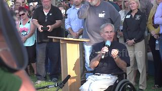 Texas governor addresses Santa Fe community after school shooting - Video