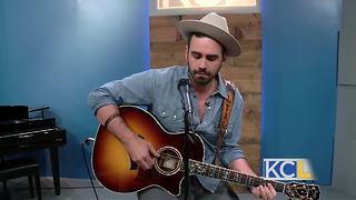 Folk music artist Lyal Strickland performs in KC - Video