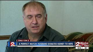 Kansas couple recovering after kidney transplant - Video