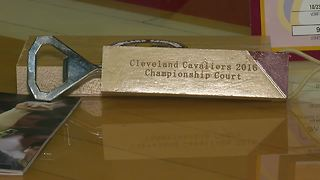 Turning old basketball courts into fan keepsakes - Video
