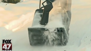 Help needed to shovel snow - Video