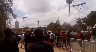 Crowds Celebrate Supreme Court Decision Near Kenyan Parliament - Video