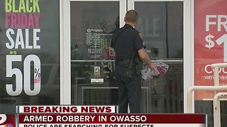 Robbery at Payless Shoesource store in Owasso; police arrest 1, searching for 2 suspects - Video