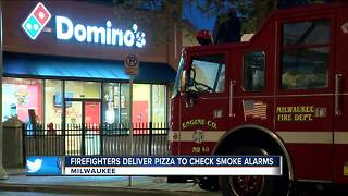 Milwaukee firefighters deliver free pizza for working smoke detectors - Video