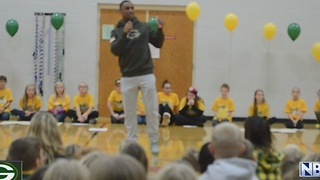 Packer surprises students - Video