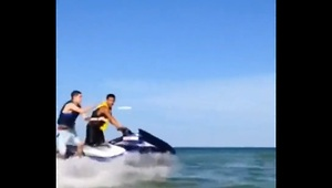 Epic jet ski frisbee trick shot - Video