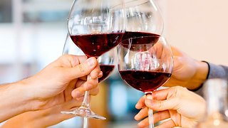 Holiday Gift Guide: 3 Fun Ideas for Wine Lovers - Video